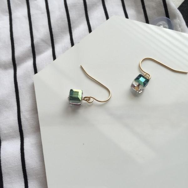 STK093GD-N 透明多彩-耳針款