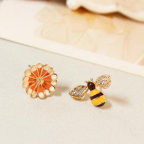 STK169BS-N 蜜蜂雛菊-耳針款