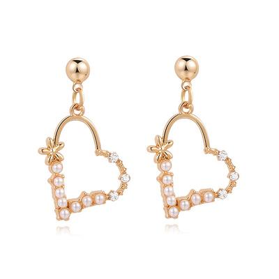 簍空珍珠愛心鑲鑽 黏式耳環