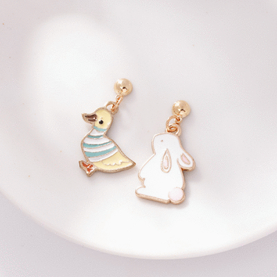 萌趣小鴨與兔子 無耳洞黏貼式耳環