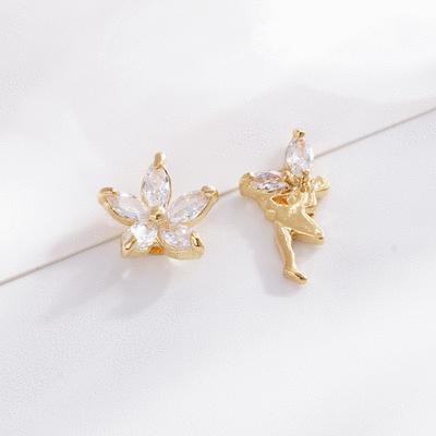 水晶山茶花精靈不對稱 無耳洞黏貼式耳環