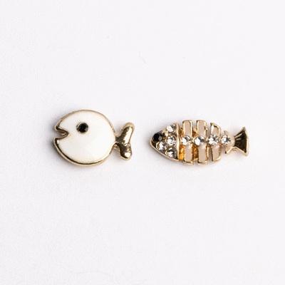 萌趣小魚與魚骨頭不對稱 耳針/無耳洞黏貼式耳環