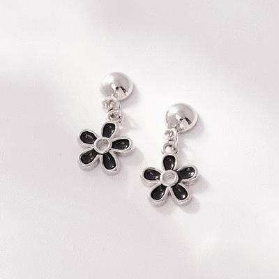 優雅黑色雛菊花朵 耳針/無耳洞黏貼式耳環
