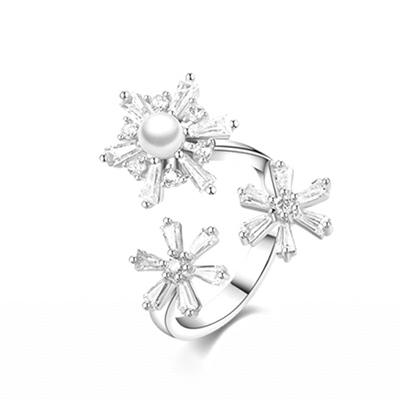 優雅珍珠雪花鑲鑽指環