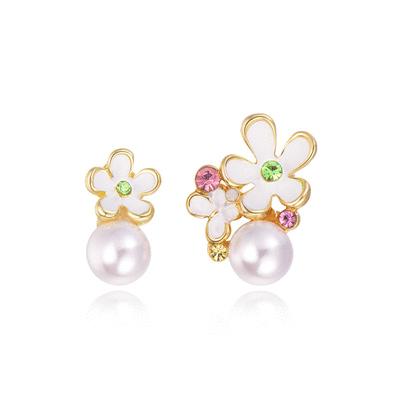 氣質珍珠花朵不對稱黏式耳環