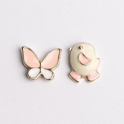 小雞與蝴蝶不對稱 耳針/無耳洞黏貼式耳環