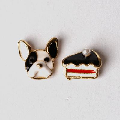 狗狗與蛋糕不對稱 耳針/無耳洞黏貼式耳環