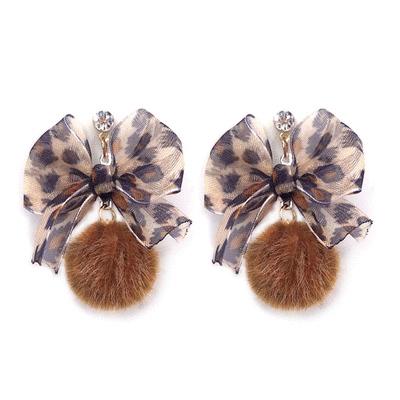 清新蝴蝶結緞帶毛球黏式耳環