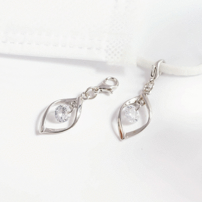 韓系簡約扭轉金屬鑲鑽口罩吊飾