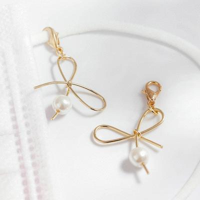 簡約不對稱蝴蝶結珍珠口罩吊飾