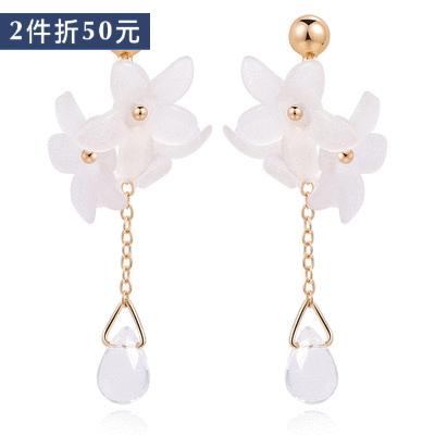 【2件折50元】清新優雅立體小雛菊 耳針/無耳洞黏貼式耳環