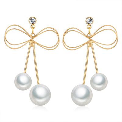 獨特簍空蝴蝶結珍珠黏式耳環