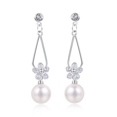 清晰氣質珍珠水滴花瓣 耳針/黏式耳環