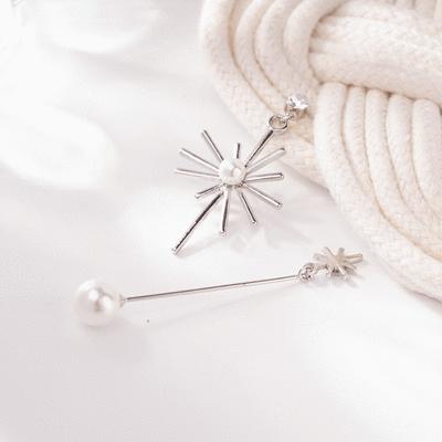 獨特耀眼珍珠太陽不對稱 無耳洞黏貼式耳環