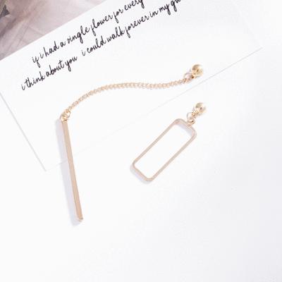 獨特個性一字墜簍空不對稱 耳針/無耳洞黏貼式耳環