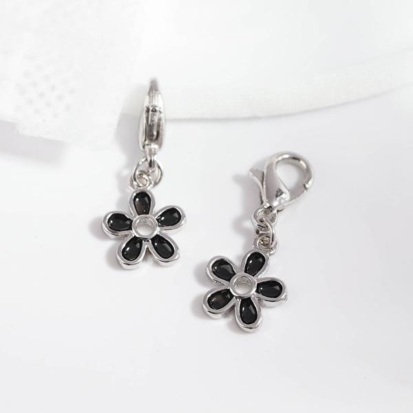 優雅黑色雛菊花朵口罩吊飾
