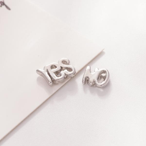 個性英文字母 無耳洞黏貼式耳環