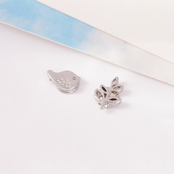 小雞與嫩葉不對稱 耳針/無耳洞黏貼式耳環